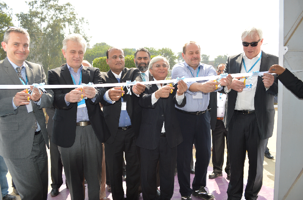 Cutting the ribbon: Right to left Mr. Alexander Wessels, Klaus Huemke, Mujtaba Rahim, Ali Gul, Thomas Winkler, His Excellency Marc George (Deputy head of mission – Switzerland. © Archroma