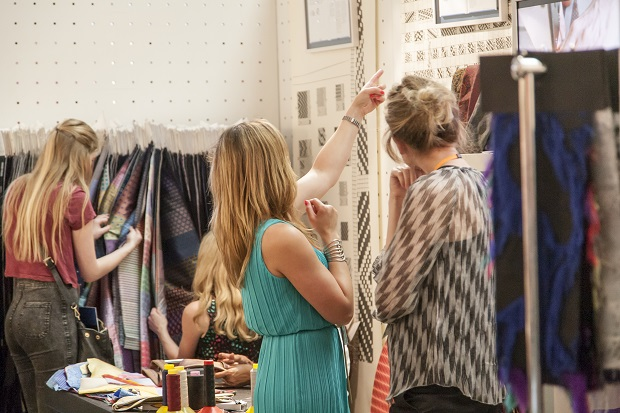 The event gathered numerous textile and apparel manufacturers and buyers under one roof. © Make it British