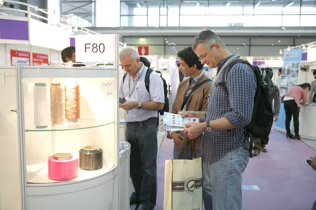 The latest product trends, such as synthetic fibres that featured in the Chinese Pavilion, attracted a lot of attention. © Messe Frankfurt / Yarn Expo Spring