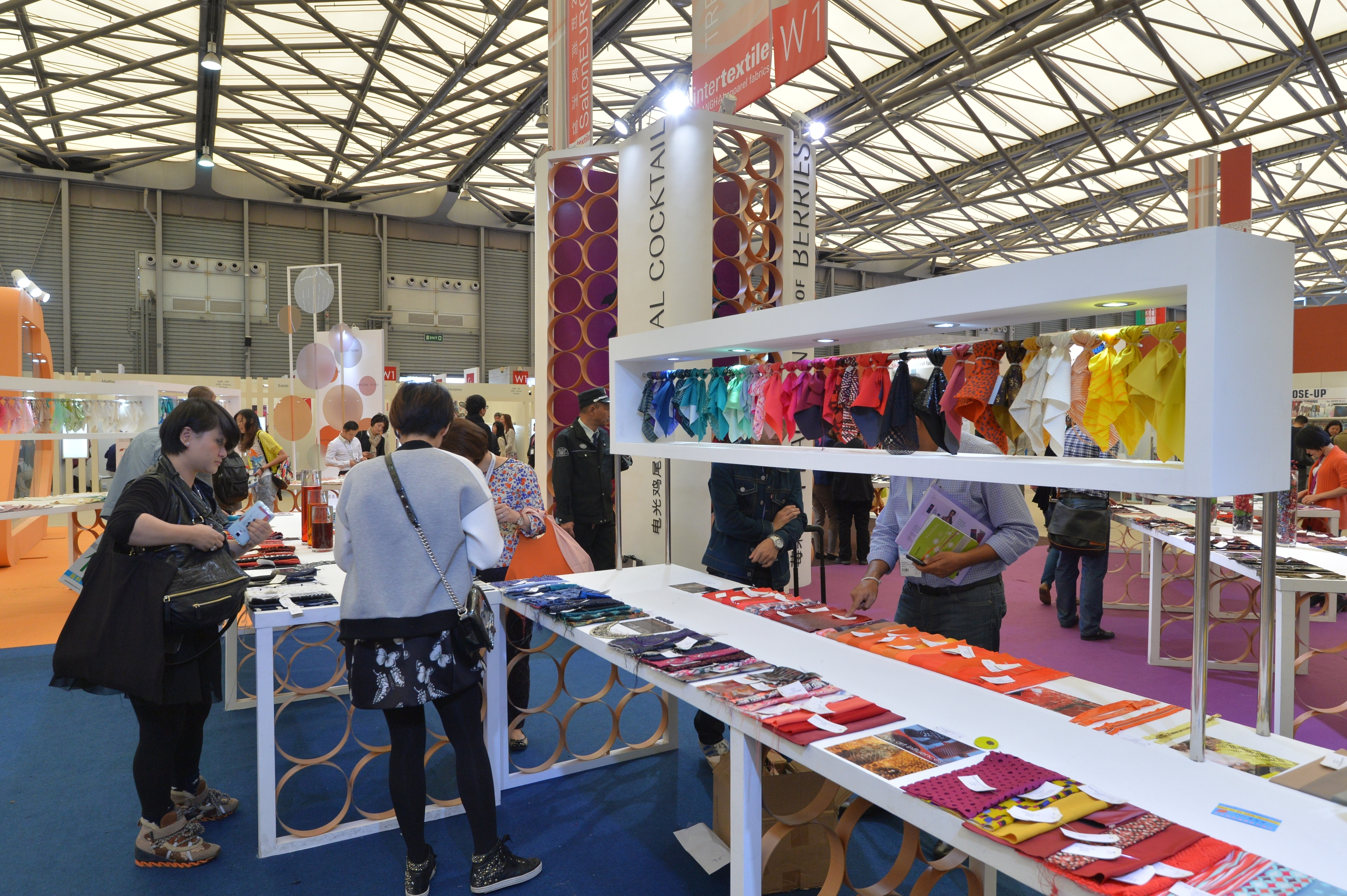 The Autumn / Winter 2016-17 international trends will be revealed in the Intertextile Directions Trend Forum. © Messe Frankfurt / Intertextile Shanghai Apparel Fabrics – Autumn edition