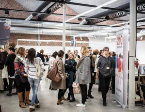 Exhibitors presented their latest collections to nearly 1,000 visitors. © Tissu Premier