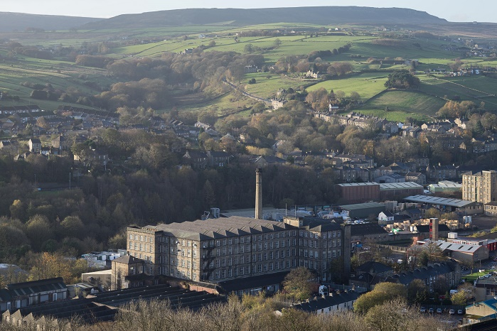 The Glenbrae spinning mill in Slaithwaite is known for producing fine British knitwear. © Glenbrae