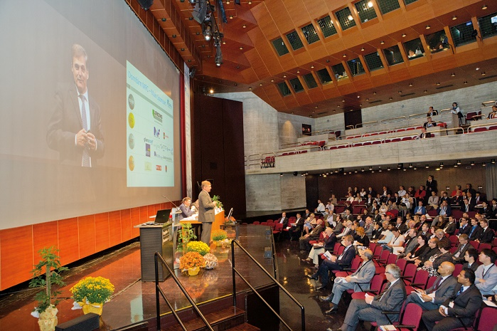 This year visitors can find more than 100 expert lectures in the programme. ©  Dornbirn Man-made Fibers Congress