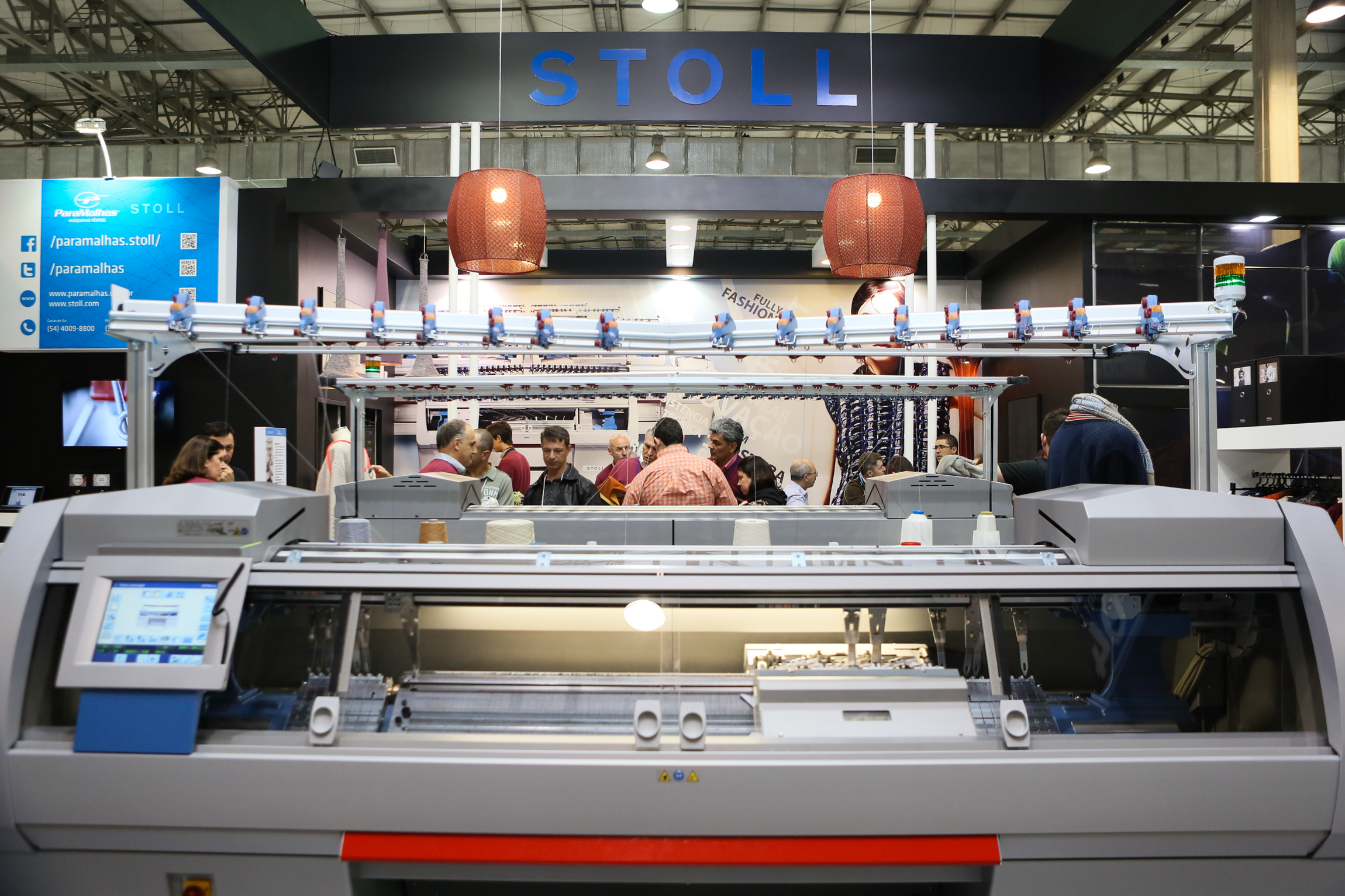 The event exhibits a variety of textile equipment. © Febratex