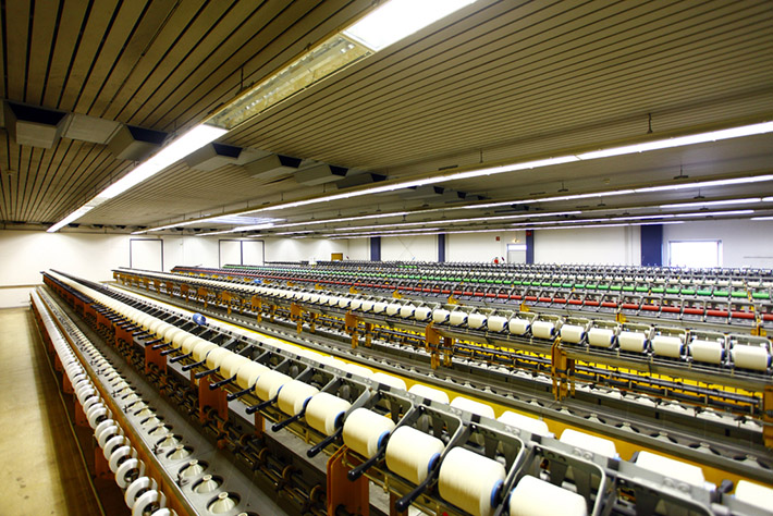 The firm supplies leading European manufacturers with a variety of yarns – covered, air-interlaced, Hamel Elasto-Twist, air-jet or core-spun. © Lederer Elastic Yarns
