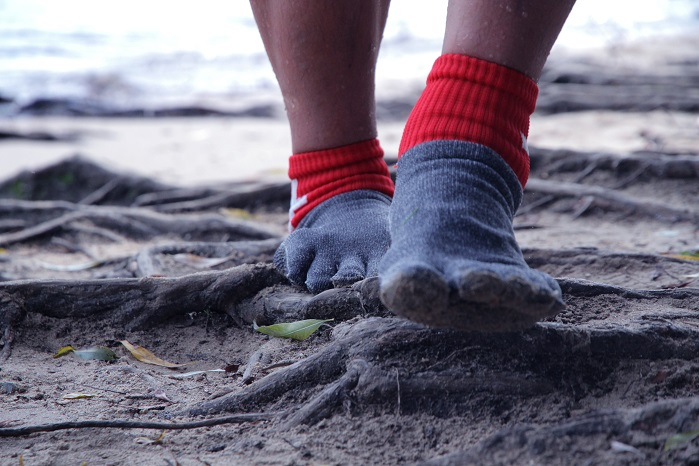 The Swiss Barefoot Company cites the research that suggests that walking barefoot can help adults with posture and back problems. © The Swiss Barefoot Company