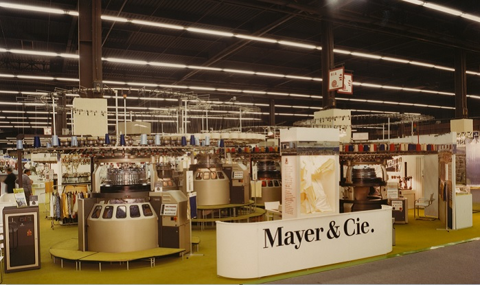 In 1987, ITMA opened on 13 October in Paris. It marked the sales launch of a technology that to this day is second to none in terms of productivity, yarn care and energy efficiency. © Mayer & Cie.