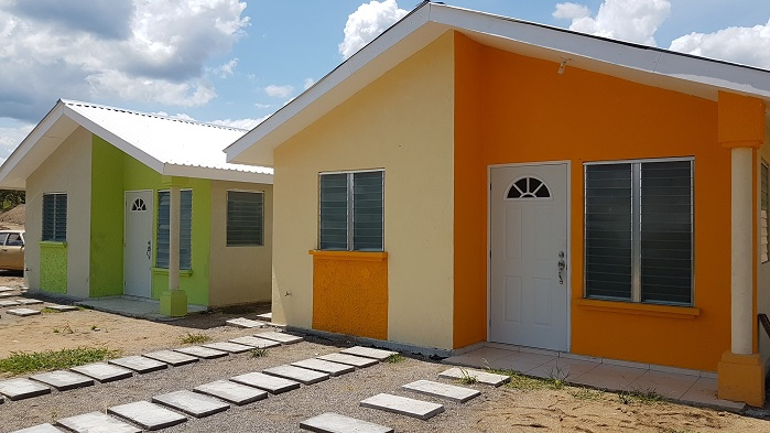 Homes costing up to around US$ 25,000 are available for purchase. © Honduras2020