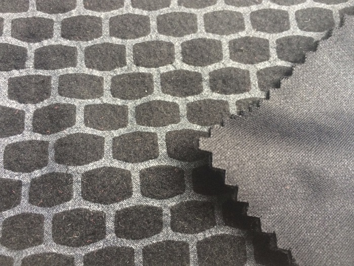 Tough Knitting TK-Heat finish on stretch polyester at Performance Days Munich. © Anne Prahl
