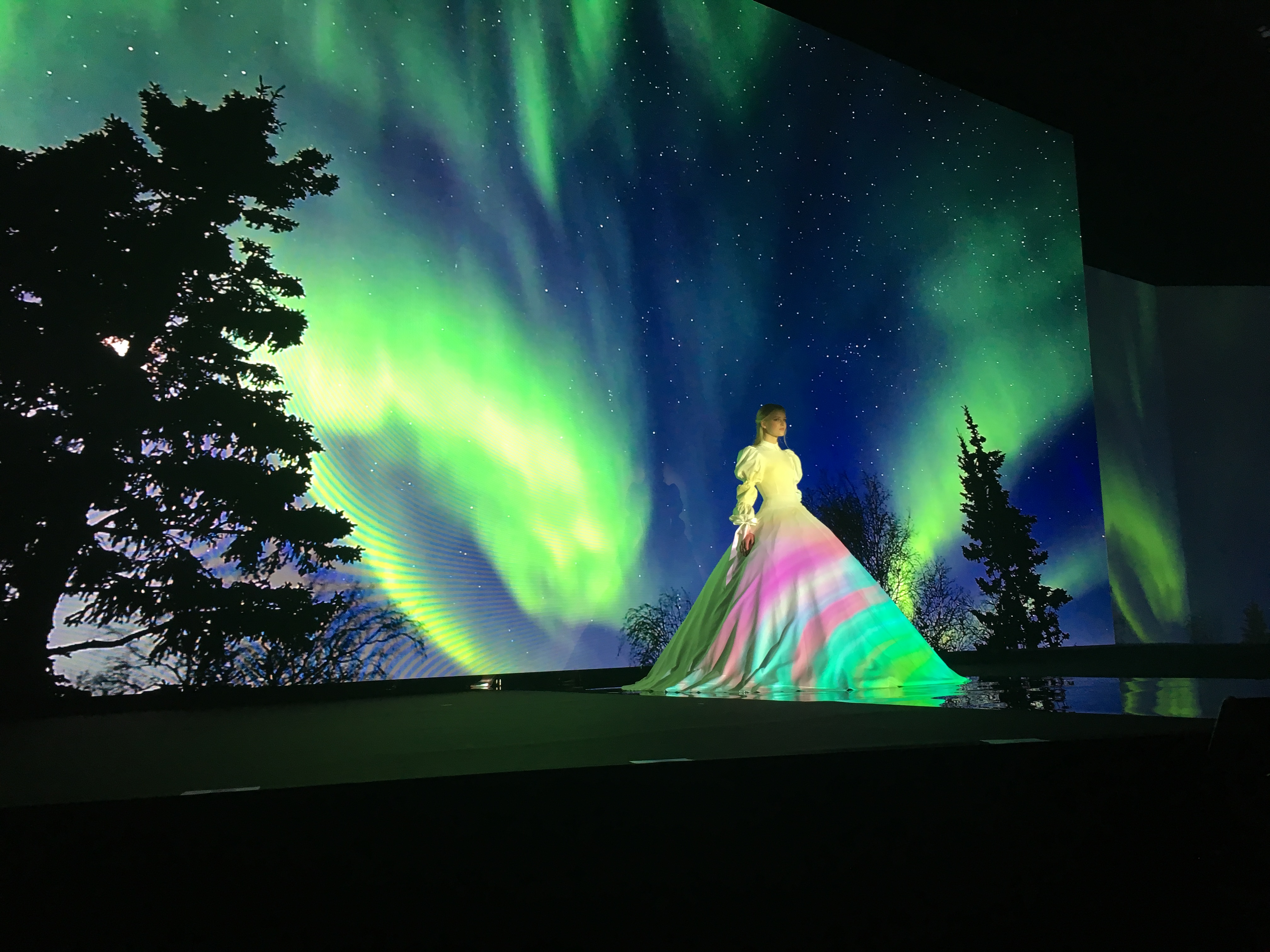 For the first time, Shima held a special fashion show that combined real models and animated versions of 3D models created on its own SDS ONE APEX3 Design Systems.