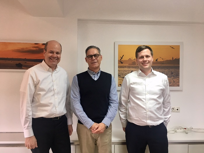 From left to right: Oliver Mathews, the Sales Director of Karl Mayer's Warp Knitting Business Unit, Roland Kunze, the Managing Director of ERKO, and Bastian Fritsch, a Senior Sales Manager at Karl Mayer, are looking forward to a successful ITM exhibition. © Karl Mayer