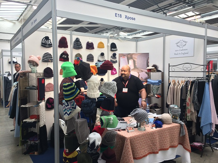 Xpose exhibited its range of knitted accessories. © Knitting Industry