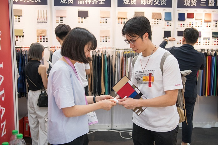 Exhibitors attracted 13% more trade buyers this time. © Messe Frankfurt/ Intertextile Pavilion Shenzhen