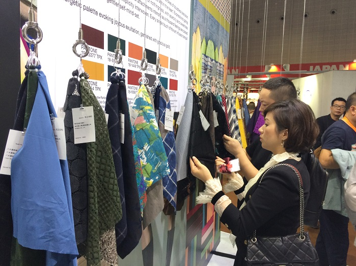 The earlier date is attracting many of the biggest apparel fabrics and accessories back to the 2018 edition, organisers report. © Knitting Industry