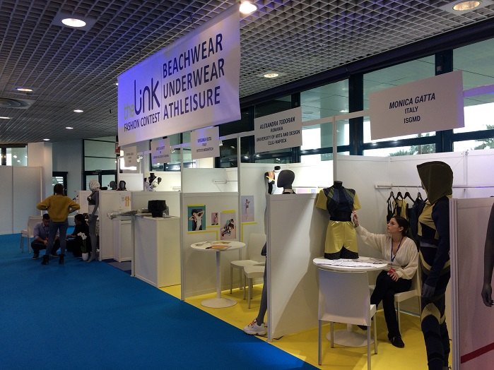 The Link fashion contest display area. © Knitting Industry