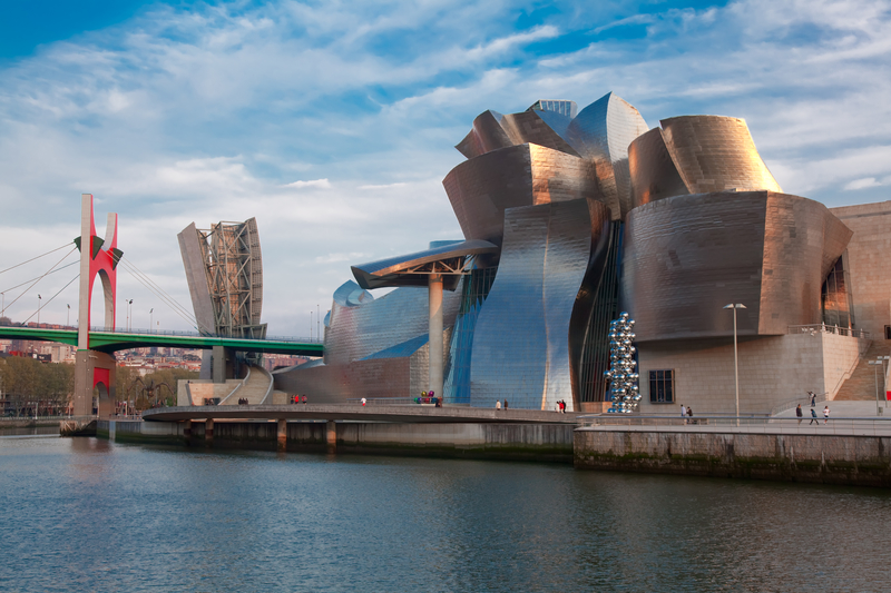 Guggenheim museum in Bilbao, Bizkaia, Spain. Photo credit: ID 13899583 © Francisco Javier Gil Oreja | Dreamstime.com