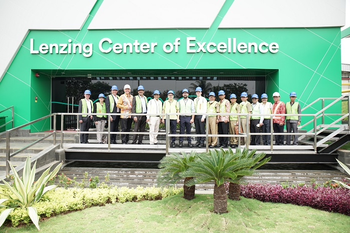 At the opening ceremony of the Lenzing Center of Excellence. © Lenzing AG
