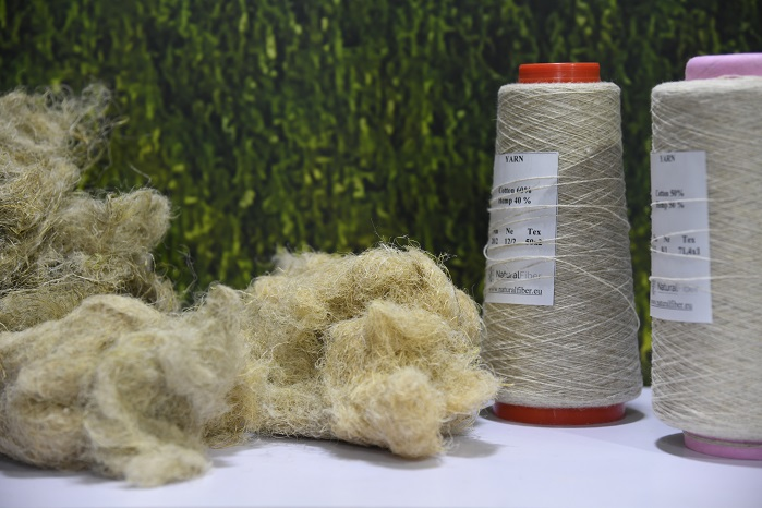 Hemp fibres and yarn by Naturalus Pluostas. © Messe Frankfurt/Yarn Expo Autumn edition